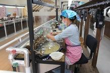 製糸作業 (2)