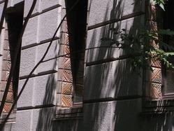 窓のタイル