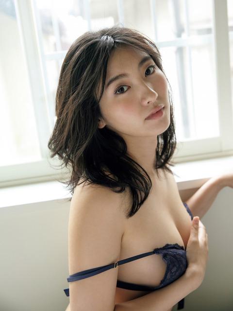 福井セリナ001