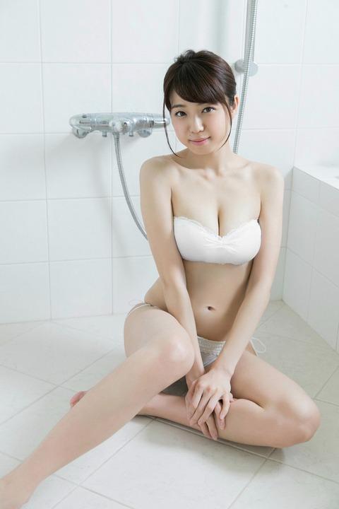 中村静香042327