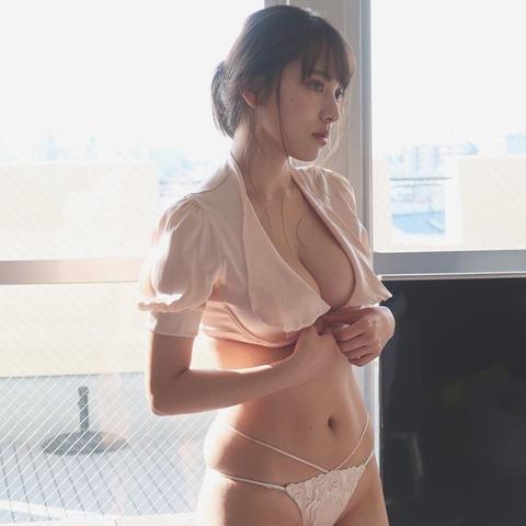 都丸紗也華09