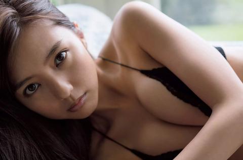 真野恵里菜06