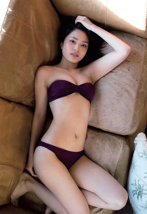 内山愛04