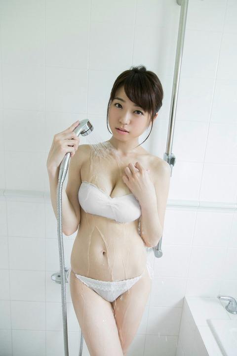 中村静香042335
