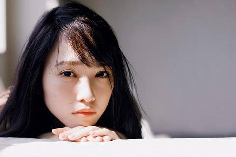 川栄李奈01