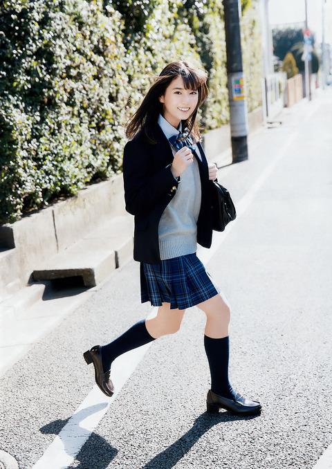小坂菜緒09