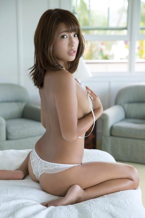 橋本梨菜34