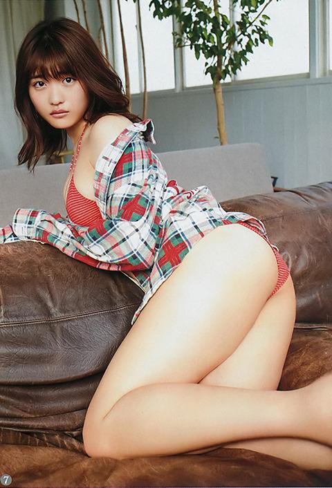 石田桃香04-2