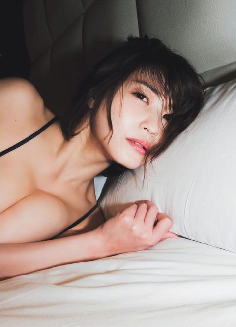 岸明日香07