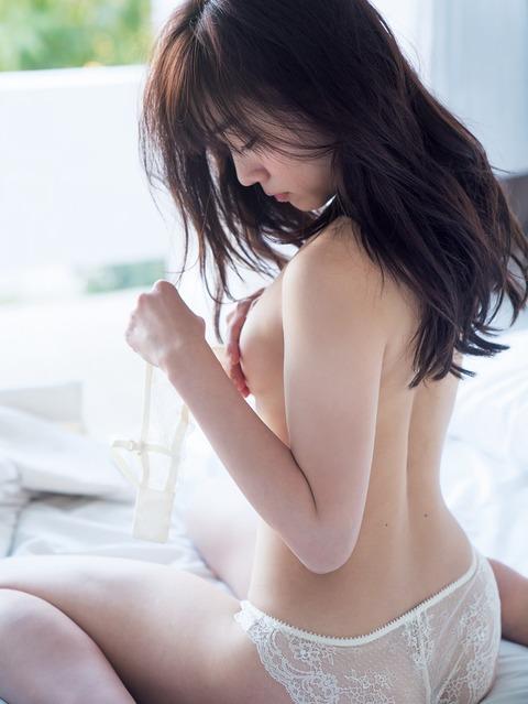 須田亜香里01