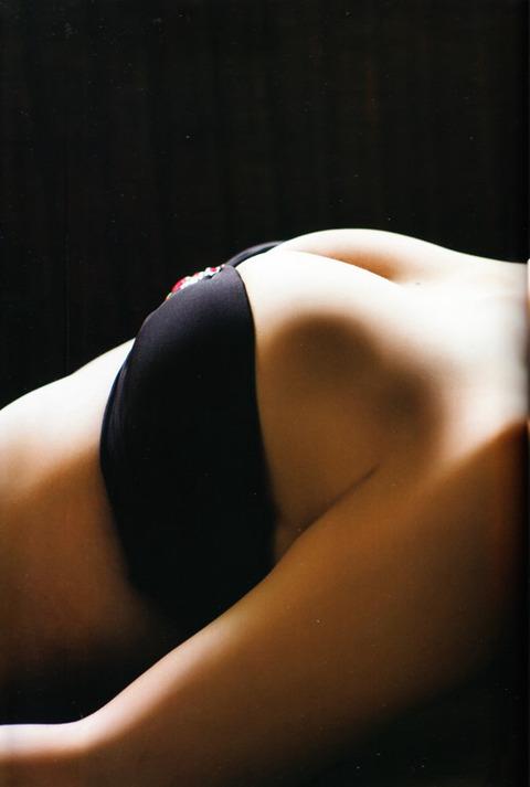 山田菜々022