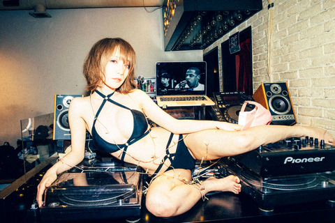 airi_shimizu_65-2