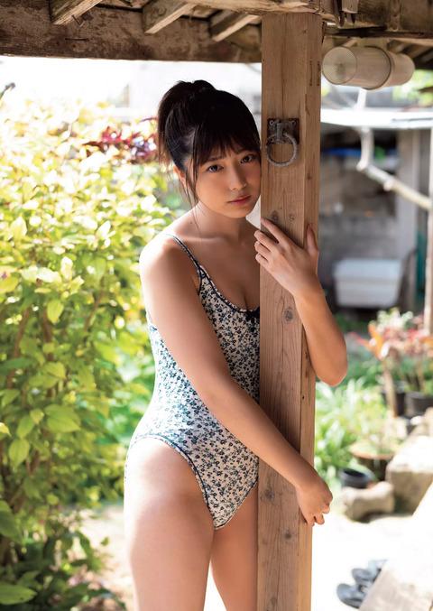 吉田莉桜04