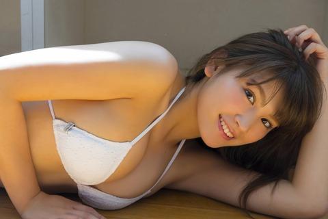 久松郁実54