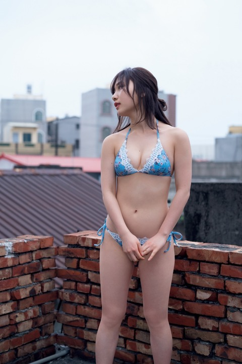 高橋朱里10