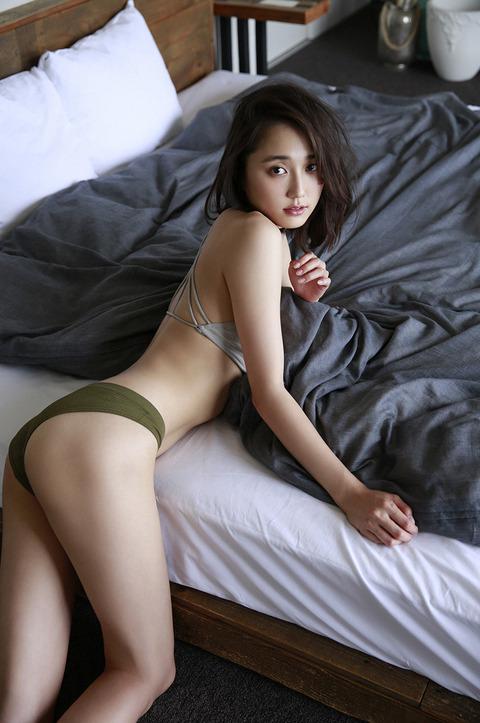 鈴木友菜43