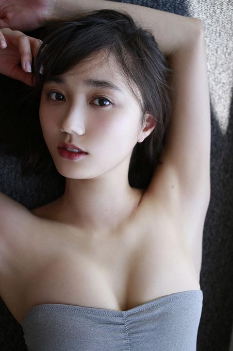 鈴木友菜32