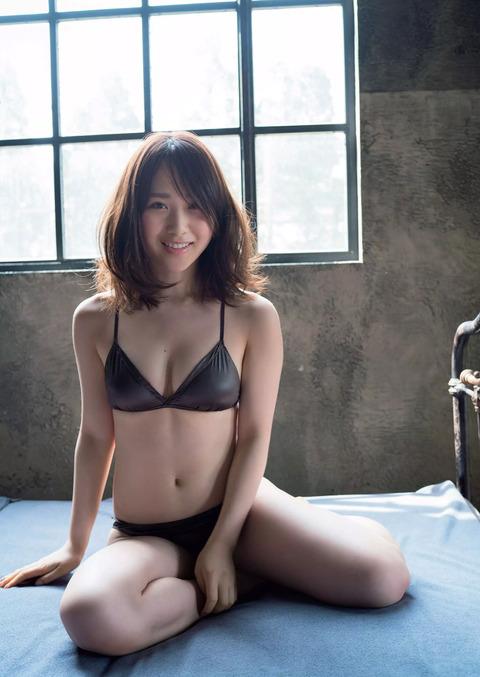 高橋朱里02