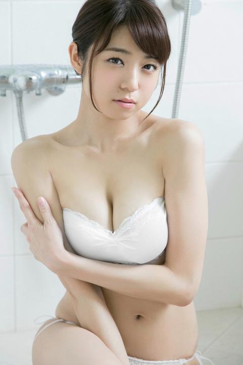 中村静香042329