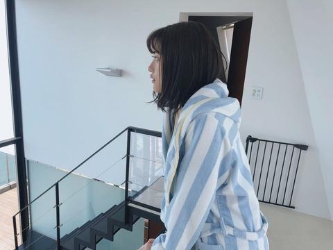石田桃香11