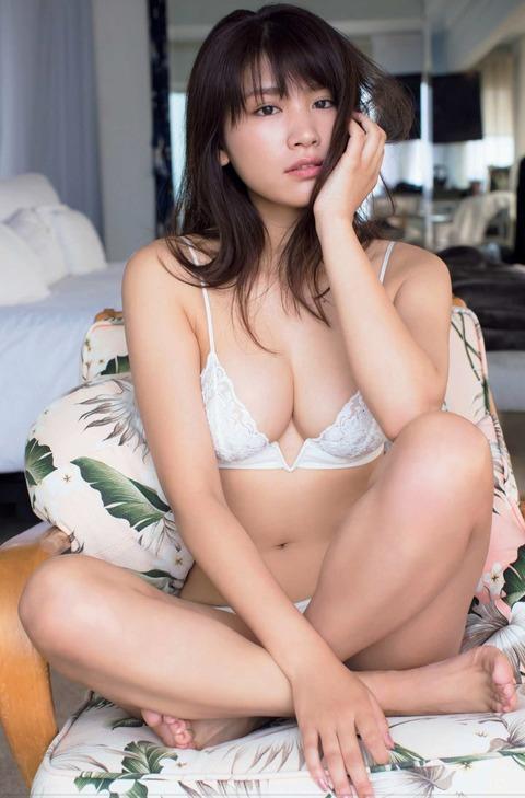 久松郁実01