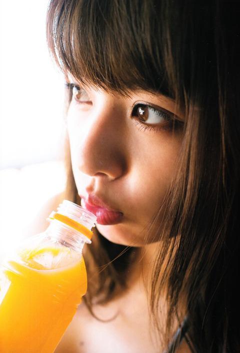 山田菜々004