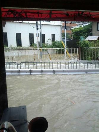 上の川氾濫