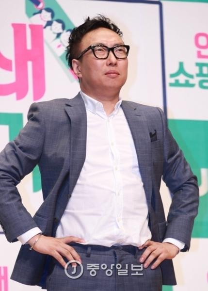 【韓国/お笑い】タレントのパク・ミョンス「日本人は韓国人にしっかり頭を下げて謝れ」