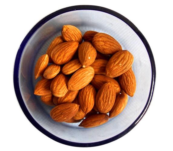1日25粒以上はNG…アーモンドを食べ過ぎてはいけない理由