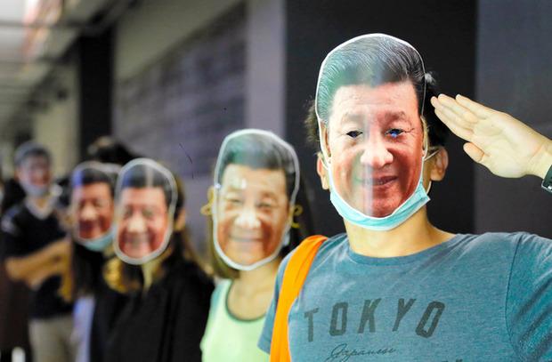 香港「習近平のお面をつけて抗議活動したろwwww」