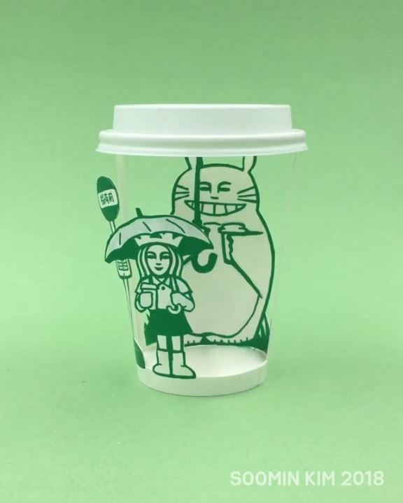 韓国人が作ったスタバのカップアートが凄い トトロやフリーザー、グリコ、ドラえもん、やらないかなど