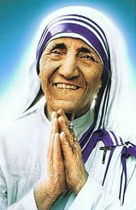 【悲報】マザー・テレサ、実は超絶感じ悪い婆さんだったことが判明! 奇跡を捏造、黒い人脈も