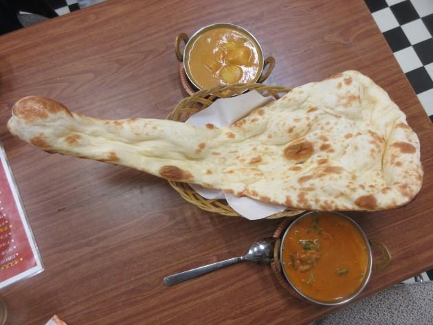 インド人がカレーに付けて食べるパンみたいなのド忘れした・・・