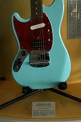 本件とは一切関係のないギターです