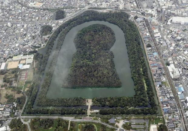 仁徳天皇陵で初の発掘調査始まる