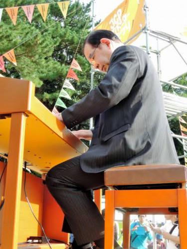 日本共産党が「TikTok」進出 初投稿は志位委員長のピアノ
