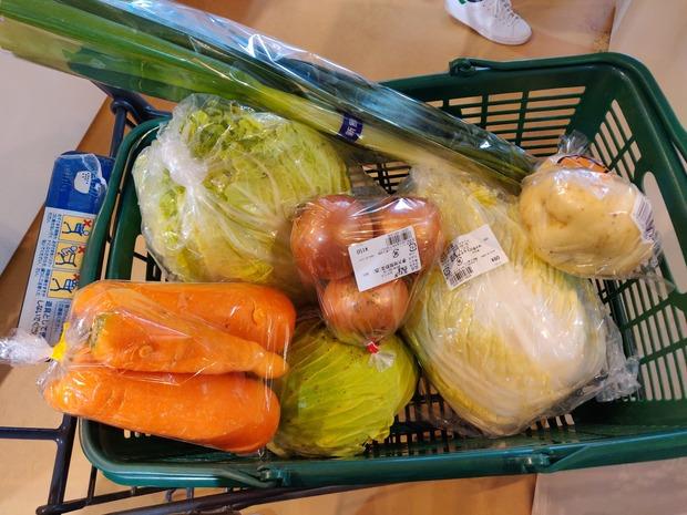 一人暮らしの奴、野菜ってどうやってとってる?