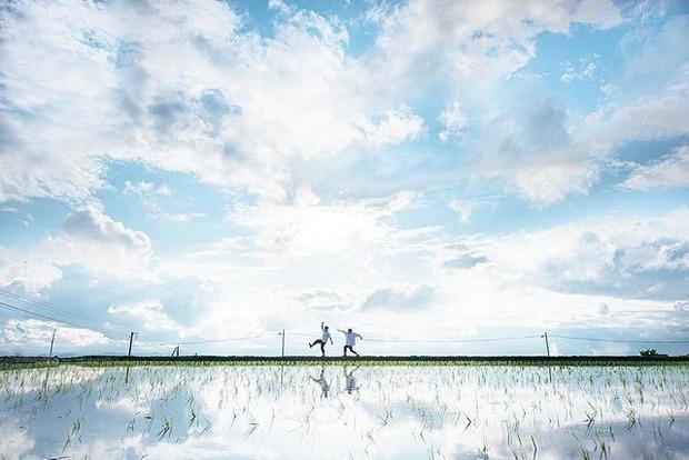 【写真】鳥取に「ウユニ塩湖」があった!? 雨あがりの水田が異次元クラスの美しさ