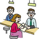 役所で助成制度の申請