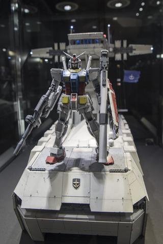 gun161122_022