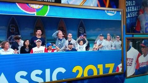 【悲報】WBCでまたも観客がボールキャッチ