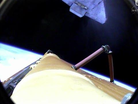 window of a Shuttle ET Separation_2