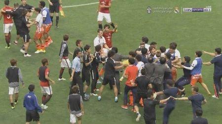 日本が被害者コスプレをしているニダ! ~ 韓国紙 「肘打ちは偶発的、浦和の選手が乱闘の原因を作ったのに被害者を演じている」