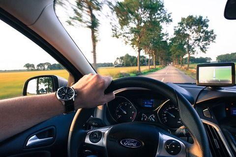 【悲報】車の運転中につぶやいてしまう言葉第1位wwwww