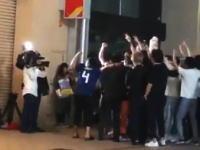 「ヤラセの瞬間」サッカー日本代表に騒ぐ若者たちの撮影現場が暴露されてしまうwwww