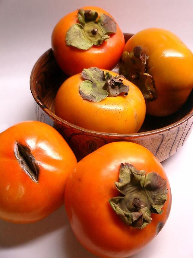 異世界転生ワイ「ふむ、柿を砕いて潰して出てきた液体を一年発酵させよう」