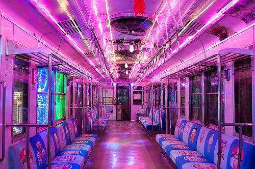 【画像あり】銚子電鉄がスナックかキャバレーかピンサロみたいだと評判にwwwwwwww