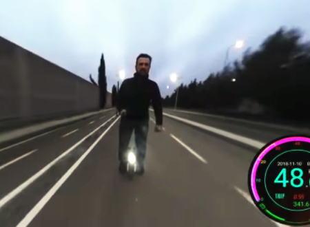 なんだよこの乗り物www超速の立ち乗り一輪車でクラッシュする大痛い動画。
