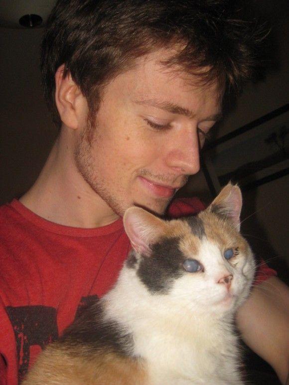 盲目の猫、スティービが僕に教えてくれたこと。