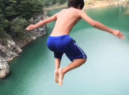 【チャリで来た】穴内川ダムの橋の上から飛び込むこのトシボー君がマジで凄い動画。